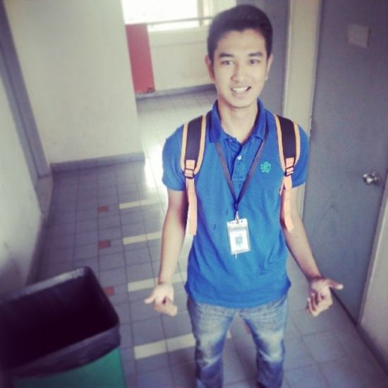 Before go to class.selfie dlu With Tong Sampah KAU ade at uniten bangi