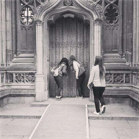 Oxfordda milleti dikizliyoruz :D Oxford England University Britain @inciyanar