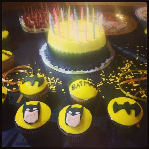 Cupcake Enjoying Life Bday Cumpleaños