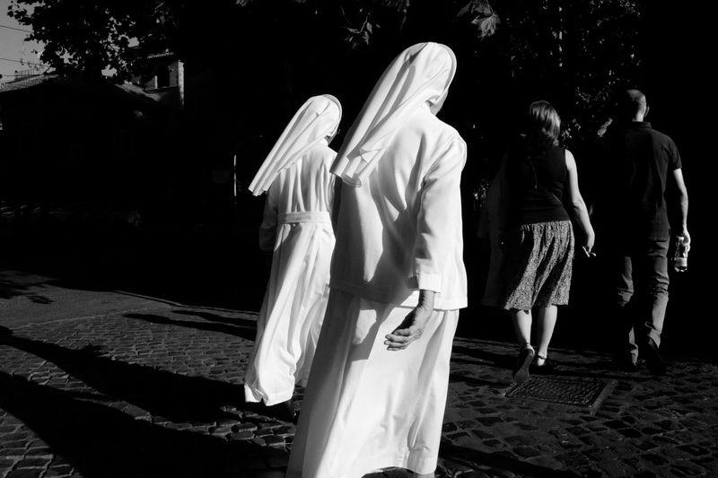 Street capture, Rome 2016 B&w Black And White Blackandwhite Bnw Italy Monochrome Monochrome Photography Nuns Rhythm Rome Streetphoto_bw Streetphotography