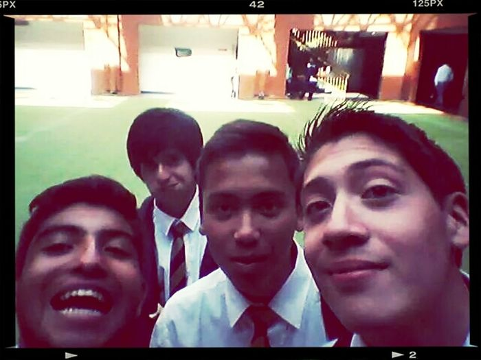 :) amigos