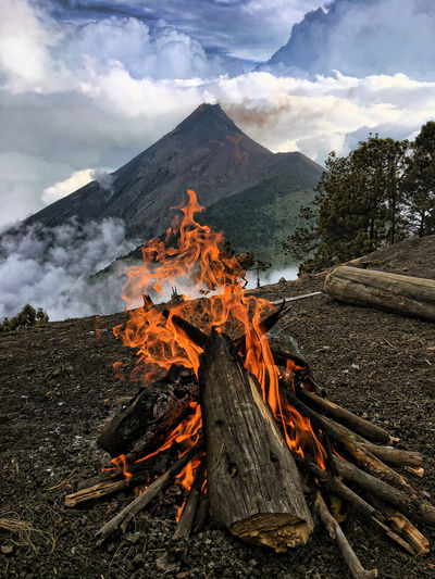 Camping on top of a volcano EyeEmNewHere Volcano Fire Campfire Flames Hiking Guatemala Acatenango High In The Sky Burning Burn Campfire Flames Camping Heat - Temperature Flame Sky Nature Outdoors Nature Photography Cozy 2018 In One Photograph