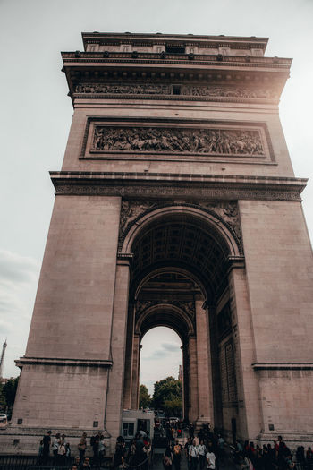 Paris France Paris France Paris ❤ Architecture Built Structure Arch History The Past Building Exterior Tourism Travel Destinations City Travel Triumphal Arch Group Of People Monument Day Nature Low Angle View Sky Large Group Of People Real People Outdoors Location