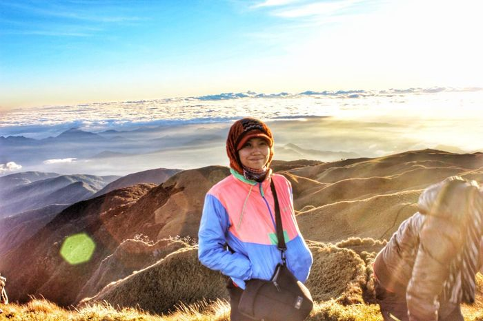Why I love sunrise in the summit. Outdoors Adventure Landscape SeaOfClouds GodsCreations