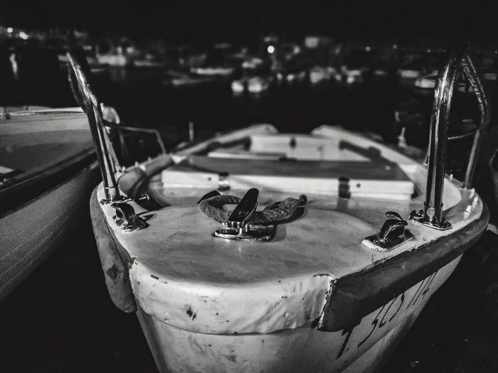 Possiamo essere giunti fin qui su navi diverse ma, ora, siamo tutti sulla stessa barca. (Marthin Luther King) Bw Lover Bw Photography Italy Marina Grande Sorrento Little Boat Boat Focus On Foreground No People Transportation Close-up Mode Of Transportation Outdoors Night