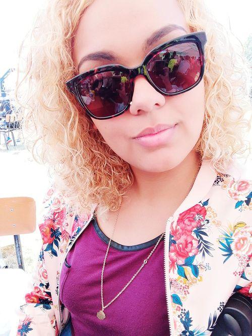 Belle journée 🌞 Young Women Blondhair Eyesglasses Sunday Women