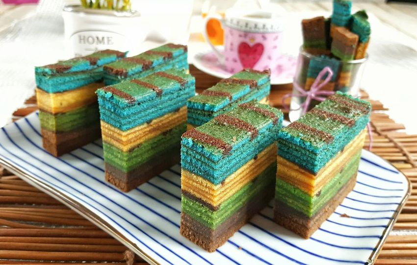 Tea time with layer cakes Tea Time Layer Cakes Delicious Foodporn Multi Colored Foodgasm Cakelovers Cakes, Sweets, Love It