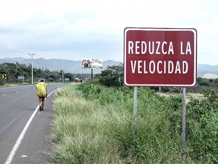 Ustedno Elsureselnorte Mochileros Puertocayo Ecuador AllYouNeedIsEcuador Consejo Takeiteasy Caminar Caminando