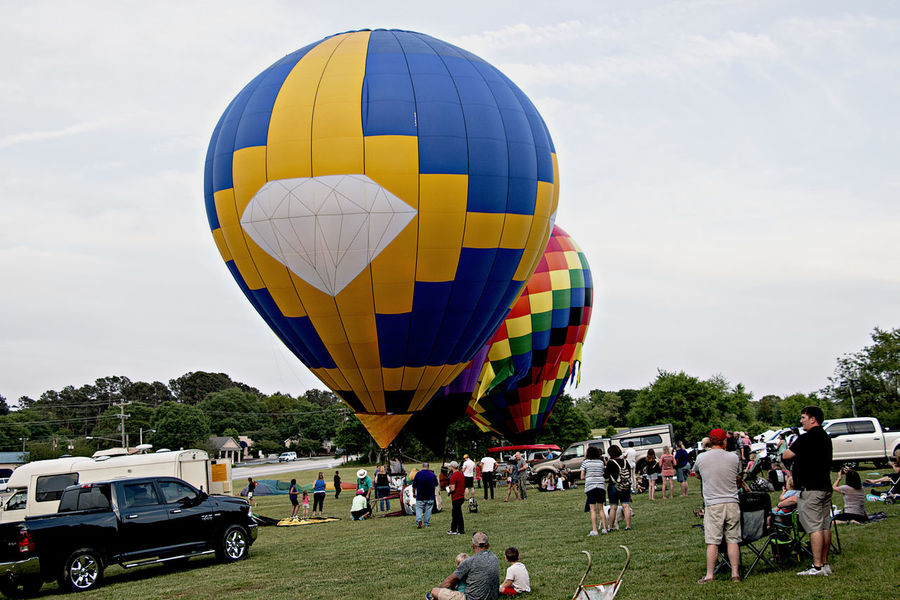EyeEm Gallery Adventure Air Vehicle Balloon Ballooning Festival Cloud - Sky Crowd Day Flying Group Of People Hot Air Balloon Incidental People Large Group Of People Leisure Activity Lifestyles Men Mode Of Transportation Nature Outdoors Real People Sky Transportation