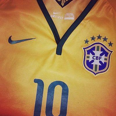 Minha Camisa Oficial da @cbf_futebol @donanessaoficial já está no jeito! Hojetem PraFenteBrasil Rumoaohexa SomosUmSó VaiBrasil CopadoMundo JuntosNaCopa 200Milhões EmBuscadoHexa SeleçãoBrasileira OusadiaEAlegria CaracaMuleke FaeldiSampa BrasilxMéxico CopadoMundo2014 WorldCup2014 Adidas Nike EntreOutrasMilÉsTúBrasil Maceió Alagoas Brasil World Soccer Brazil Amazing Instagood