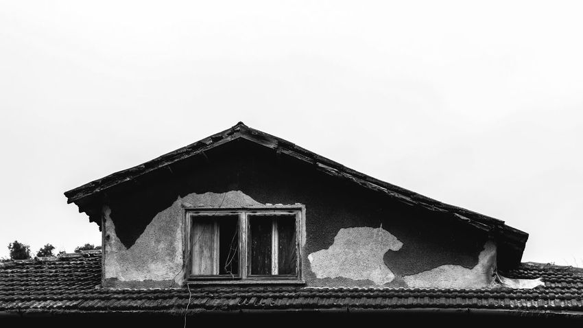 Architecture Built Structure Roof Building Exterior No People Canon18-55 AdobeLightroom Canon_official Arts Culture And Entertainment Low Angle View Backgrounds Canonphotography Canoneos Contrast Lightroom EyeEm Best Shots Eyeemphotography EyeEm Adobephotoshop Postproduction Canon_photos Canonofficial BYOPaper! Blackandwhite Photography B/W Photography