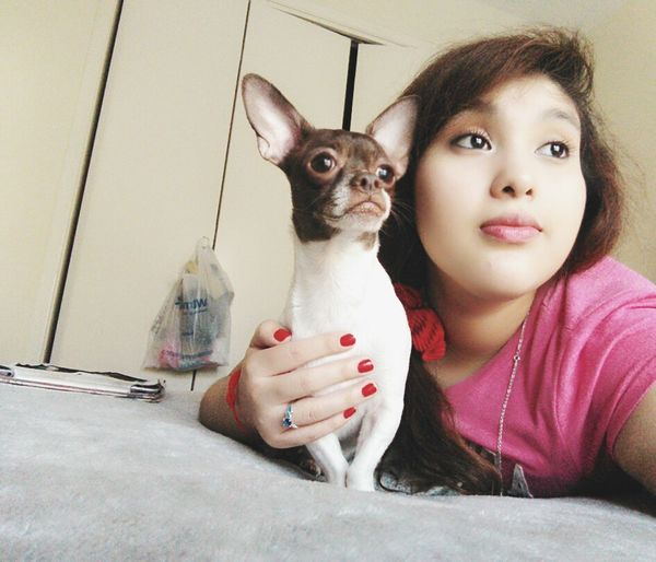 Just me and my dawg thinking bout life.╮(╯▽╰)╭😂 Taking Photos Hi! Enjoying Life Hanging Out Hello World Relaxing Me And My Dog Chikis  That's Me Stephanie Luna