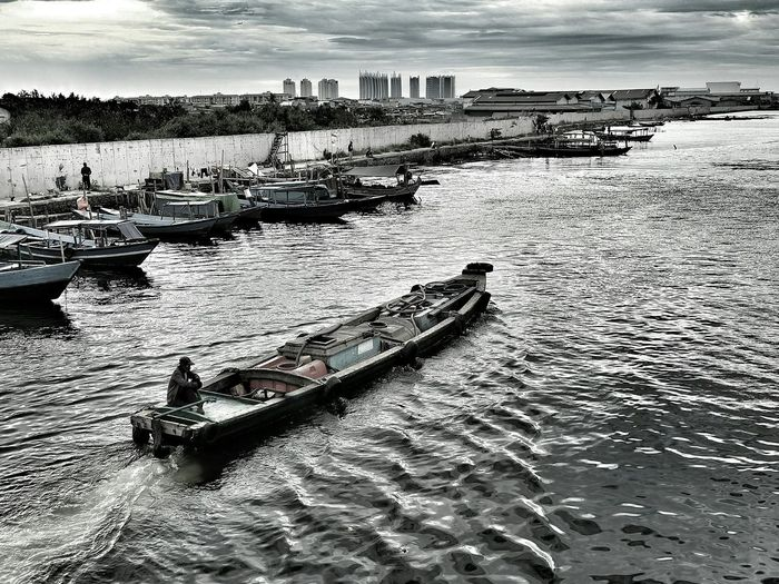 Sea Water Outdoors People Sky Only Men Boats⛵️ The Week On EyeEm EyeEm Best Shots Eye4photography  EyeEm Selects EyeEm Gallery Black And White Photography First Eyeem Photo Sunda Kelapa Port