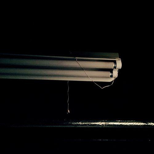 「暗光」 Photo 蛍光灯 Dark