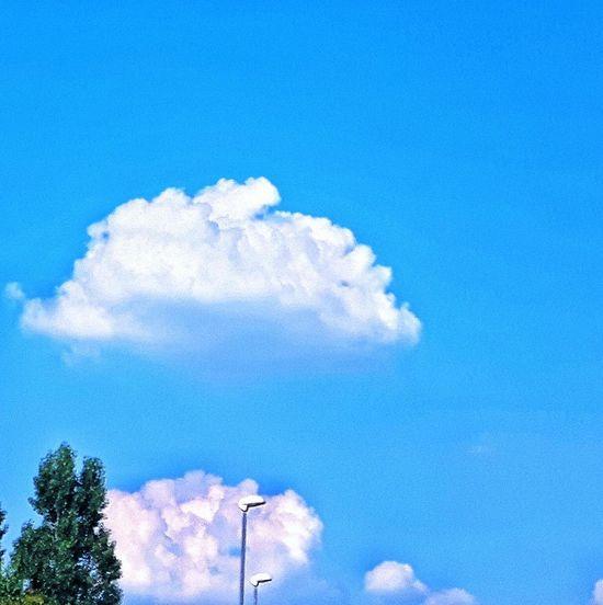 Skyporn #cloudporn #takingphotos Minimalism Minimal Minimalobsession Creative Light And Shadow Color Photography Light And Shadow Eyeem Photography Eyeem Photo Color Eyeem Best Shots Eyeem Gallery