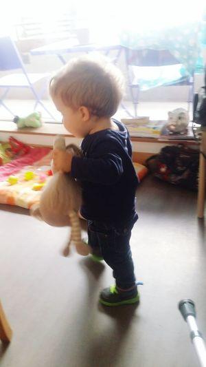 . Mathéo Apprend à Marcher Mignon