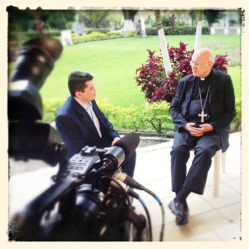 Gravação com Dom Celi do programa Além da Notícia. Tema: Comunicação Na Igreja. Comunica ção Igreja