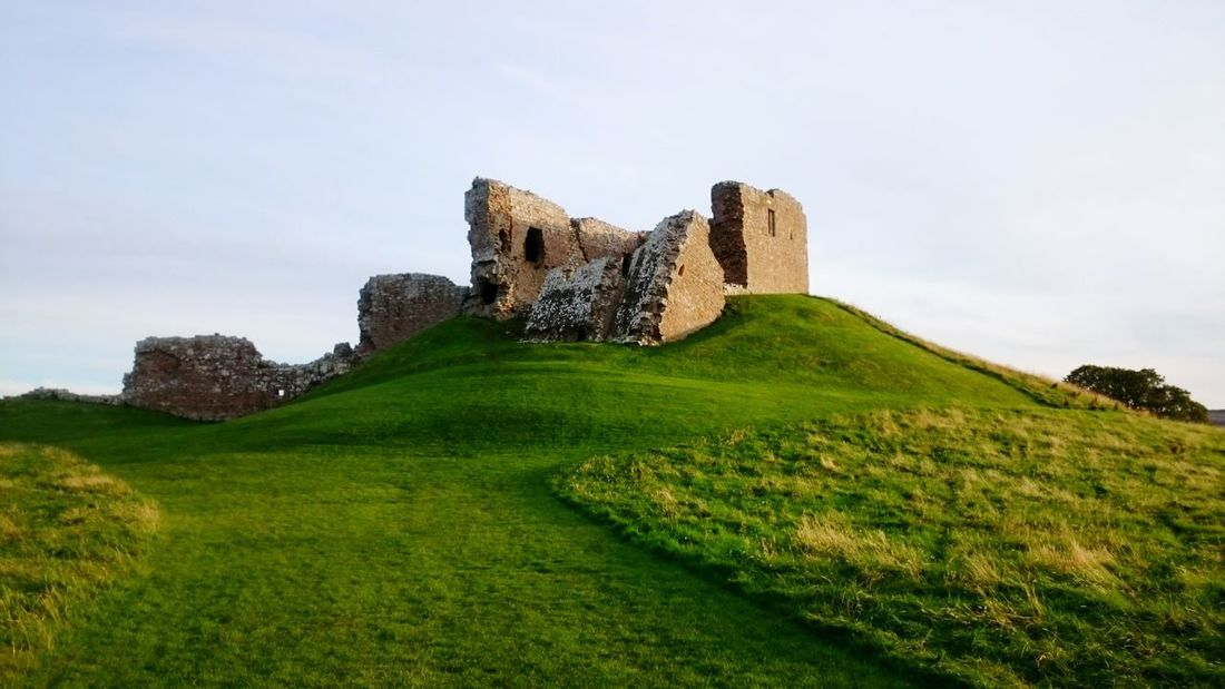 Duffus Castle Moray Uk Outdoors Castle Ruin Scotland Eyeem Scotland