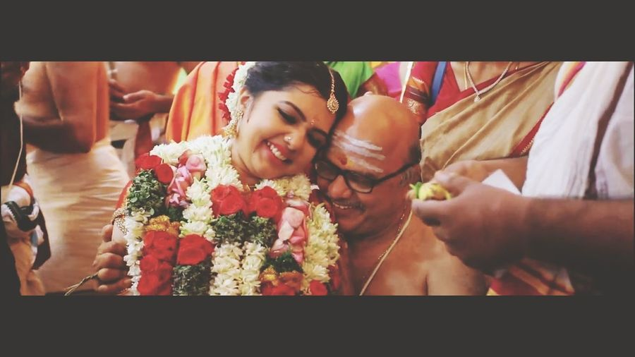 dharavathu tradition, that's me on my father's lap.😊 South Indian Wedding Father And Daughter Love Flower Bride Smiling Togetherness Bonding Headshot Wedding Ceremony