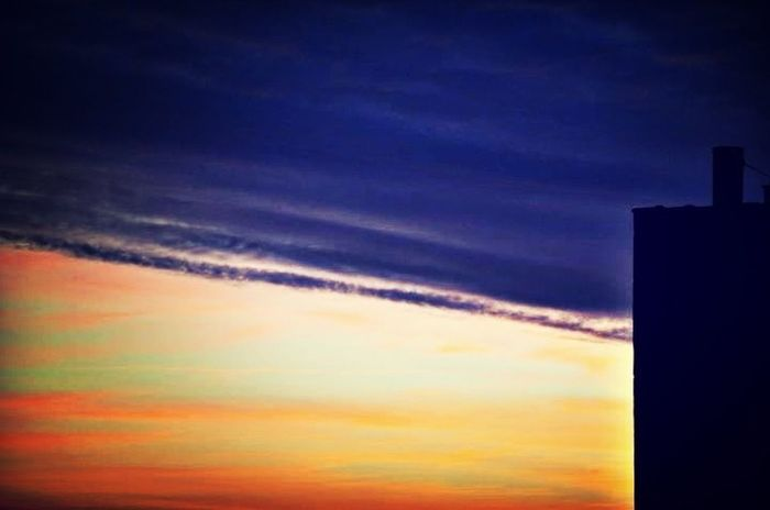 Skyporn #sunset #sun #clouds #skylovers #sky #nature #beautifulinnature #naturalbeauty #photography #landscape Out My Window Hi Rise Photography