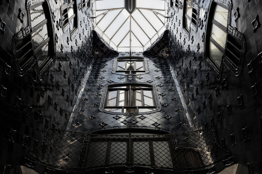 Casa Batlló Streetart Discover Your City Barcelona Architecturelovers Architecture Creativity Gaudi