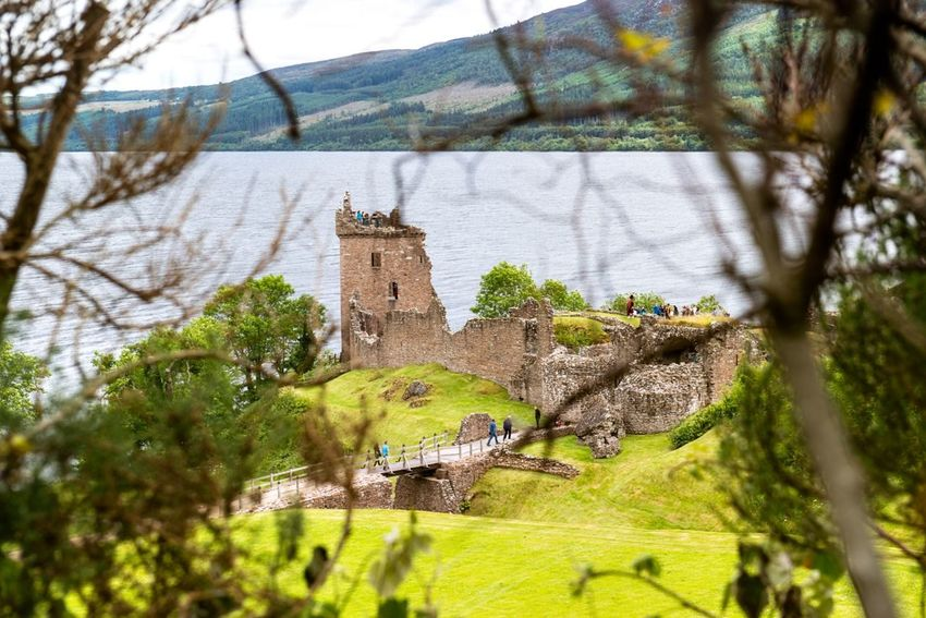 Ruins along the Loch Ness UrquhartCastle Landscape Scotland Traveling Nature Castle Enjoying The View Beautiful EyeEm Best Shots Sea