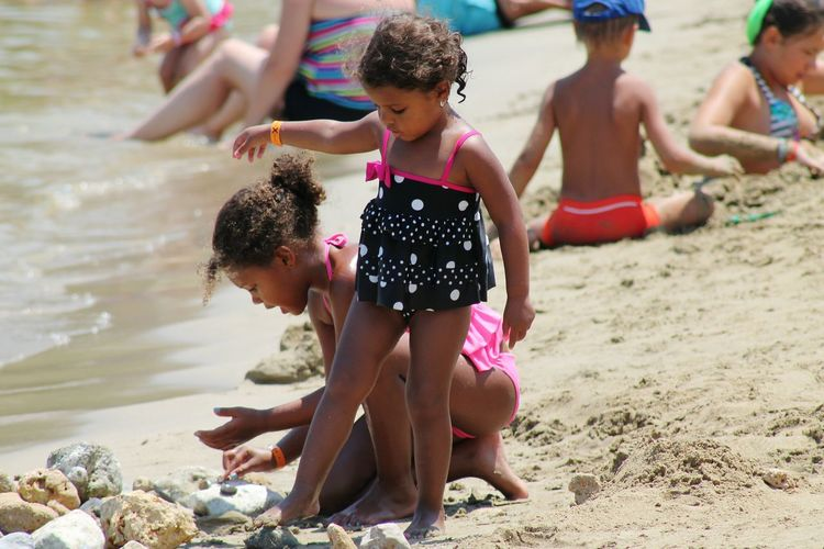 Children Togetherness Childhood Leisure Activity Beach Sand Girls Vacations Playing Water Girls Playing With Sand Seaside Exploring