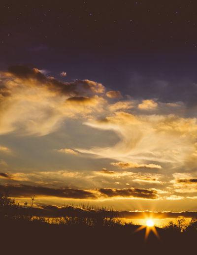 Beauty In Nature Dramatic Sky Idyllic No People Outdoors Scenics Sky Star Burst Stars Sun Sun Burst Sunlight Sunset Tranquil Scene Whispy Clouds