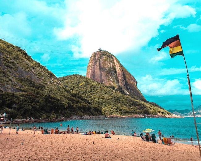 Pão de Açúcar Followme First Eyeem Photo Picoftheday Bestoftheday Brasil Pão De Açucar Sugarloaf Land Group Of People Water Crowd Large Group Of People Sand Beauty In Nature Vacations Nature Sea Day Lifestyles Holiday Real People My Best Photo
