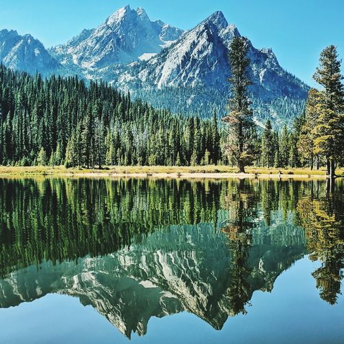 Calm lake in the sawtooth mountains in idaho