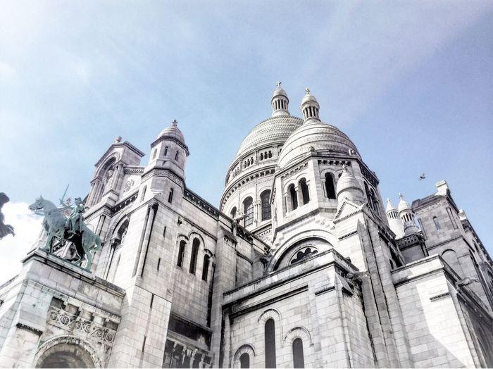 Oh mon dieu! Paris Montmartre Sacre Coeur Church Roman Byzantine Architecture White Stone Whitestone Bluesky Architecture