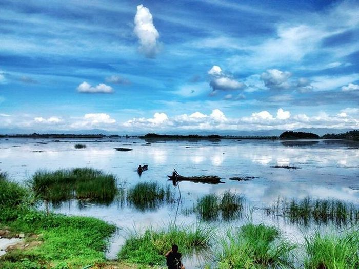Loktak Lake, Manipur Surface area: Approximately 287 sq. Km It is the largest fresh water lake in the North East and famous for Phumdis. Loktak Lake Manipur Holiday Phumdis Sangai Northeast IndiaTrail Moirang Wildlife