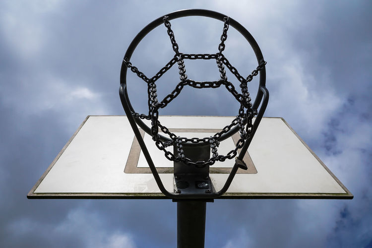 Basketball Basketball - Sport Basketball Hoop Basketballkörbe Close-up Cloud Cloud - Sky Cloudy Directly Below Focus On Foreground Geometric Shape Korb Low Angle View Metallic No People Outdoors Pole Sky Sport Sports Sports Photography Urban