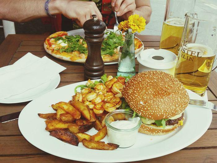 12ApostelBurger geschmacklich sehr gut abgestimmt. Tolles Burgerhack, +Scampis