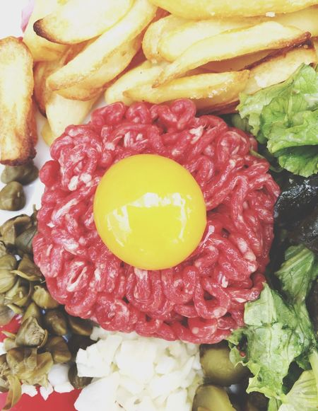 Food Foodphotography Steaks Raw Tartare French Food Beef Raw Beef Egg Lunch Time! Eating Dinner Colorful Delicious Loveit