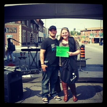 A quick pic with the winner of Country Idol 2012!! ;) Superproud FutureWife