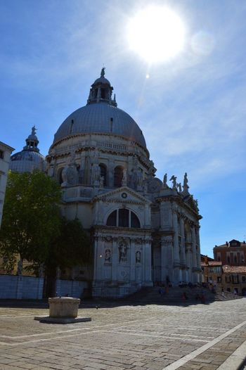 Basilica Santa Maria della Salute, Venezia Dome Religion Place Of Worship Architecture Spirituality Travel Destinations Built Structure Sky History Tourism Building Exterior Outdoors Day Sunlight No People EyeEm Best Shots EyeEmNewHere Eyeemphotography