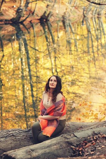 Düzce Bolu  Yedigoller Bolu Yedigöller Autumn One Person Tree Sitting Forest Nature Young Adult Land Young Women Women Adult Beauty Clothing Leisure Activity Beauty In Nature Full Length Lifestyles Sunlight Beautiful Woman Hair