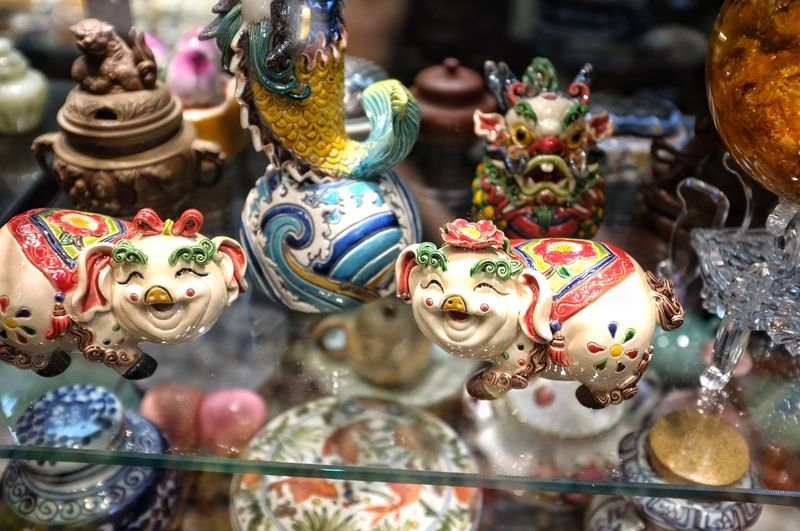 Store Market Retail  Choice Variation Arts Culture And Entertainment Multi Colored Close-up Retail Display For Sale Flea Market Flea Market Market Stall Figurine  Display Shop Souvenir Bauble Collection Various Street Market Shelves Variety Fish Market Bazaar Raw Price Tag Farmer Market Flower Market Stall