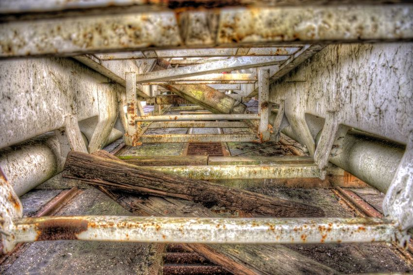 DDESIGN HDR PICTURE EyeEm Best Shots HDR First Eyeem Photo Metal No People Architecture Weathered Transportation Rusty Day Run-down Rail Transportation Damaged Built Structure High Angle View Abandoned Railroad Track Staircase Old Obsolete Track Decline Bad Condition EyeEmNewHere