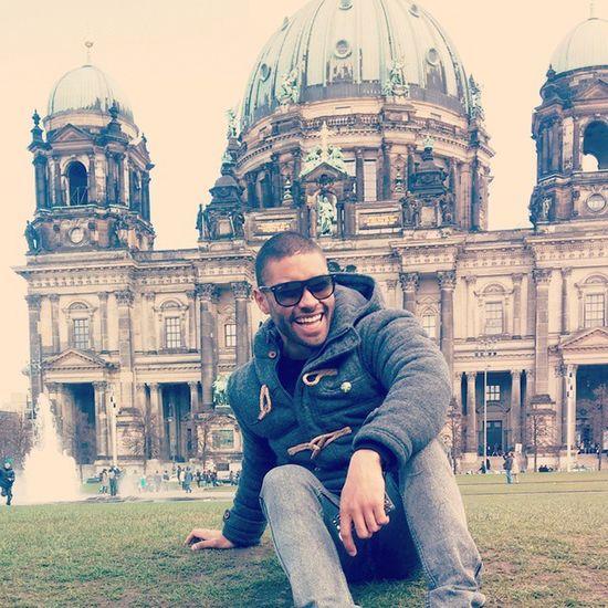 Berlin Bromas Chinese Tourists Fun Divertido