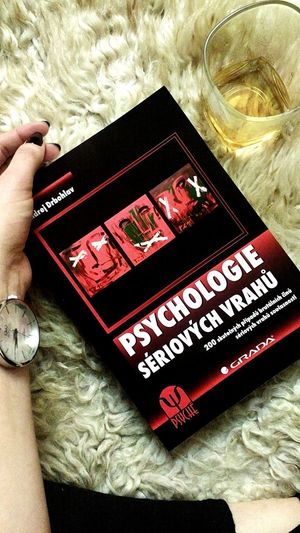 Leisure Activity Real People Indoors  Book Books Psychology Psychology Student Murder Serialkillers Bookworm Bibliophile