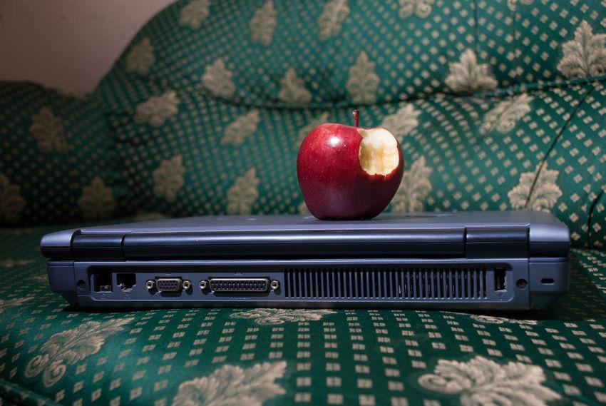 Apple Apple - Fruit Apple Computers Brand Branded Computer No People Red Apple