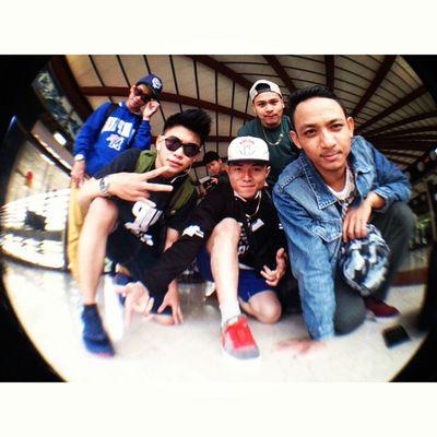 Here we are Frezh Mo Crew Hustler Longtrip Jakarta Singapore vietnam boty southeastasia repindo