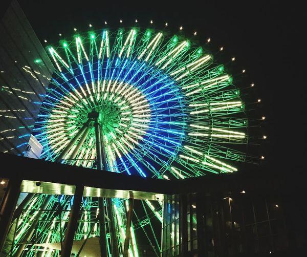 謝謝曾經的美好,劇情般的情節在你我之間。細節的這些那些,都在我的記憶裡面。我們都不要再可惜逝去的,其實我們都很好很好,所以遇見。重新回到原點,但已不是原點的那個你我,是全新,是歷練,是擁有,不一樣了。 致 最特別的你 Thankyou Murmur Amusement Park Night Arts Culture And Entertainment Low Angle View Ferris Wheel Illuminated Amusement Park Ride 10