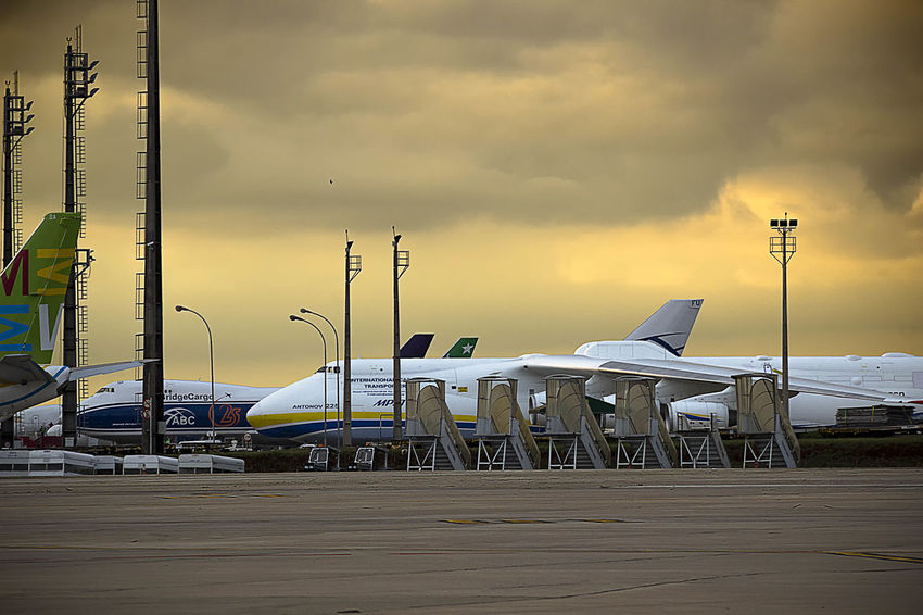 ANTONOV AN-225 AirPlane ✈ Antonov Antonov 225 Mriya Airplane Antonov An-225 Decor Dramatic Sky Frame It! Sky And Clouds Air Vehicle Airplane Airplanes Airport Airportphotography Aviation Aviationphotography Biggest Decoration Frame Outdoor Photography Outdoors Sky