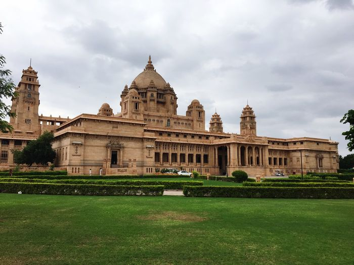 Umaid Bhavan Palace Rajasthan King And Queen.🎩👑 Jodhpur Architecture Built Structure Building Exterior Travel Destinations Sky History Tourism City Cloud - Sky Day Nature No People Travel Outdoors Grass Dome