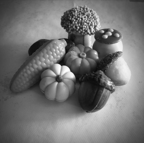 Chocolat... Black & White Huawei P20 Pro Photography Chocolate Vegetable Table Close-up Food And Drink Garlic Bulb