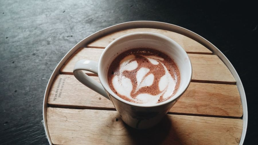 Coffee - Drink Coffee Cup Drink Frothy Drink Table High Angle View Food And Drink Froth Art Heart Shape Wood - Material Mocha Latteart Cafe Latte