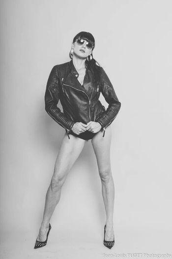 Model Shoot Bookphoto Vogue Magazine Black & White www.lestudiodelaphoto.com #Clermont #book #fashion #mode #photographer #fashionphotography #clermont-ferrand #photographeclermontferrand #portrait #vogue #woman #femme #sensual